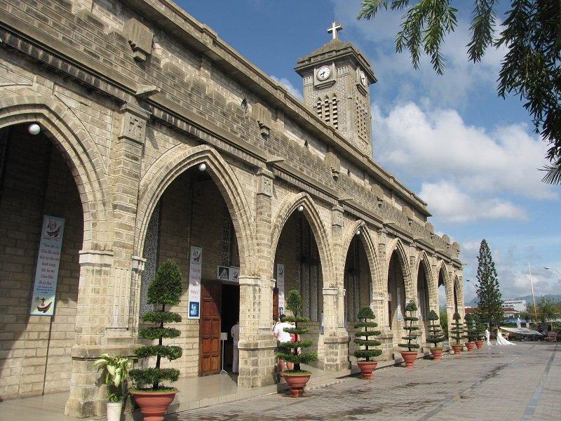 Một trong những góc của nhà thờ